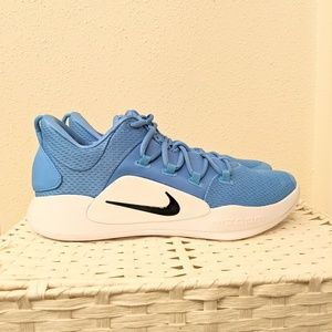 Hyperdunk Low TB University blue